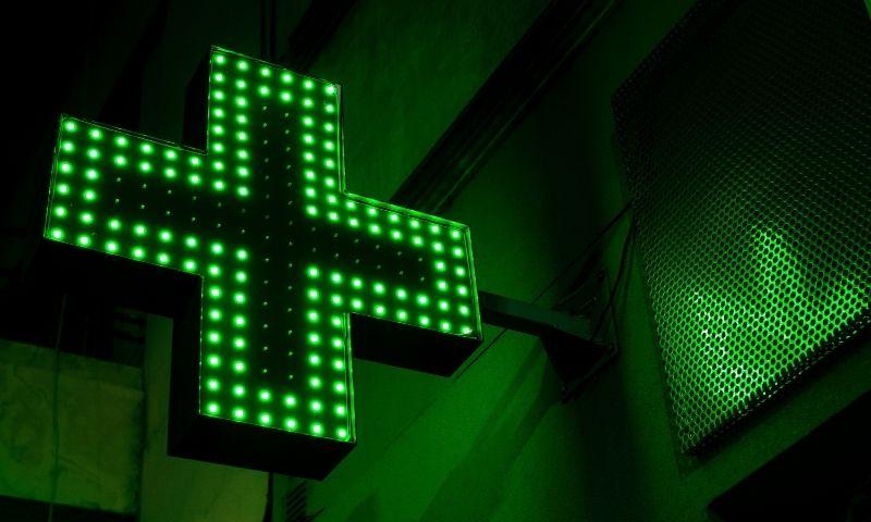 7Deiters-escaparate-farmacia (1)