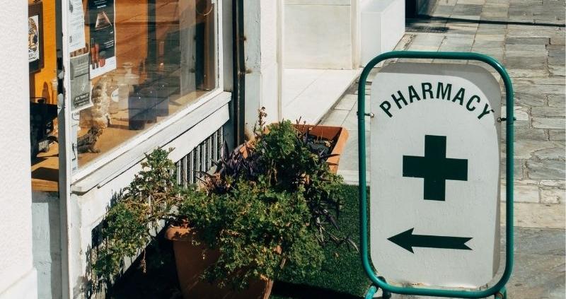 señal de entrada a una farmacia