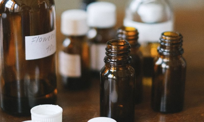 frascos de productos naturales
